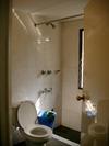 Haqs_inn_bathroom